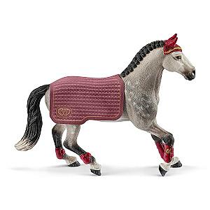 HORSE CLUB Traķēnas šķirnes zirgs, turnīrs